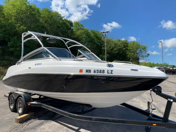 Photo 2009 Yamaha AR230 used jet boat cleaned and ready Hurry - $27,999 (Red Wing)