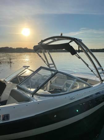 Photo 2012 Bayliner 185 Flight series boat - $24,900 (Lakeville)