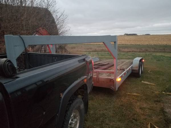 Photo Gooseneck car trailer - $2,250 (round lake)