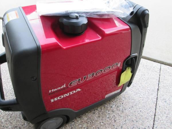 Photo New Honda Handi Eu3000i Inverter - $1,935 (Oronoco MN)