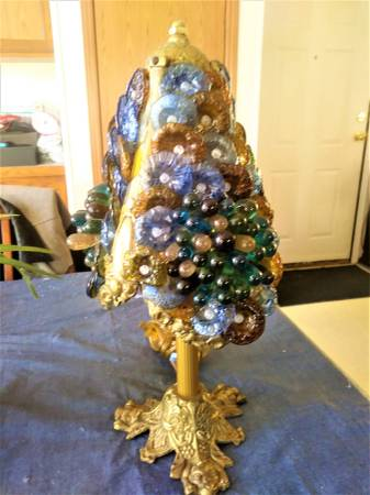 Photo RARE VINTAGE LAMP  MURANO ITALY  GLASS ART FLOWERS, BUTTONS, GRAPES - $250 (NORTHWEST SIDE of SIOUX FALLS)