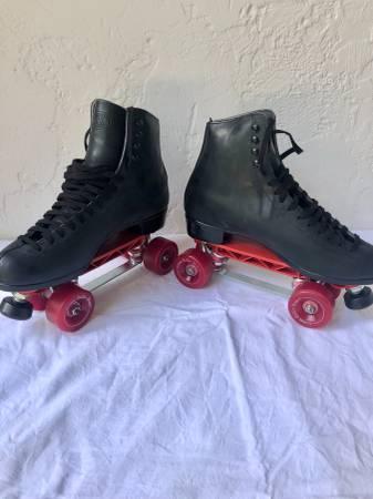 Photo Riedell Vintage Mens Sz 11 Roller Skates - $125 (Oak GroveEast Bethel)