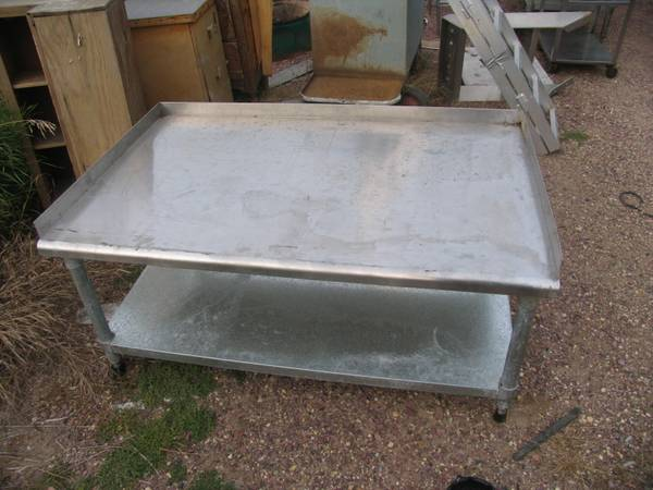 Photo Stainless Steel Work Table Restaurant Food Service Commercial Kitchen - $400 (Heron Lake)