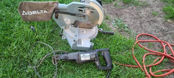 Photo delta miter saw, reciprocating saw - $125 (Pipestone)