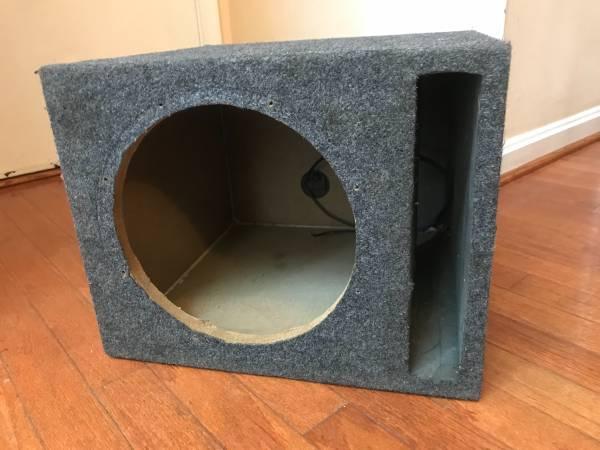 Photo 10quot Subwoofer Box PORTED Sub Enclosure automotive trunk applications - $45 (Centreville, VA)