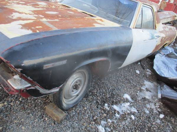 Photo 1969 1968 chevy el camino chevelle pile part gm might part out car - $2,500 (cumberland)