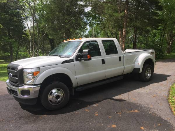 Photo 2015 Ford PU F350 dually super duty super cab 9,000 miles - $32500 (Martinsburg)