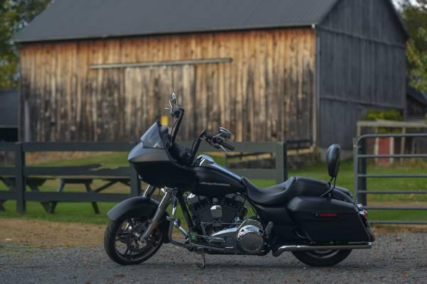 Photo 2016 Harley-davidson - Road Glide Motorcycle - $15,900 (Ashburn)