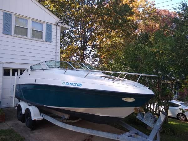Photo 2139 Crownline 210 CCR wdbl axel trailer - $7,000 (Springfield, VA)