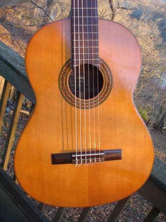 Photo 7039s Yamaha G- 85A Classical guitar MIJ - $180 (shepherdstown)