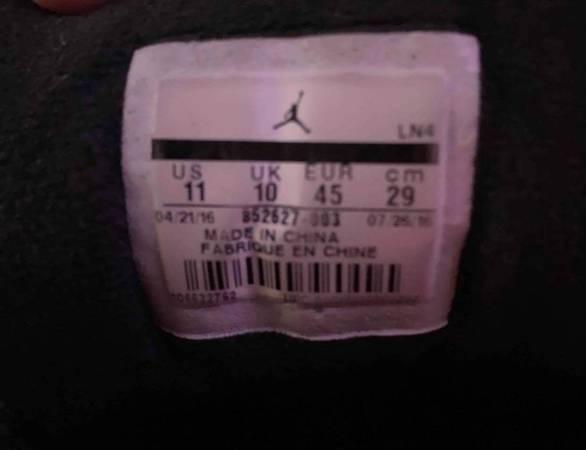 Air Jordan Retro 12 (size 11) - $160 (Martinsburg)