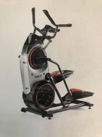Photo Bowflex M5 Max Trainer - $600 (Charles Town)