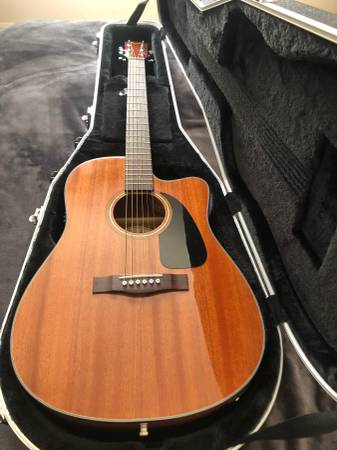 Photo FENDER AcousticElectric Guitar and Gator Hard Case - $385 (Shepherdstown)