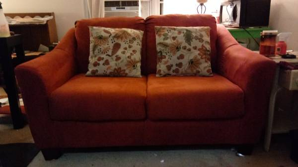Photo FURNITURE SALE - K1 ALL UNDER $5 OR TAKE ALL TODAY FOR $12 (Montgomery Village)