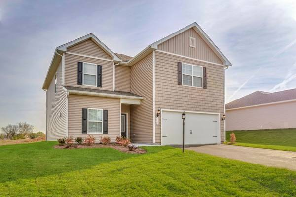 Photo Family Driving You Crazy 5 Bedrooms And A Game Room - Ready Now (Outside City Limits)
