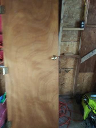 Photo Interior doors door knobs etc. All $20 - $20 (Martinsburg)