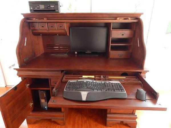 Photo Lockable Roll Top Computer Desk 54 - $600 (Berkeley Springs, WV)