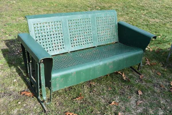 Photo Porch Glider - $400 (Bunker Hill, WV)