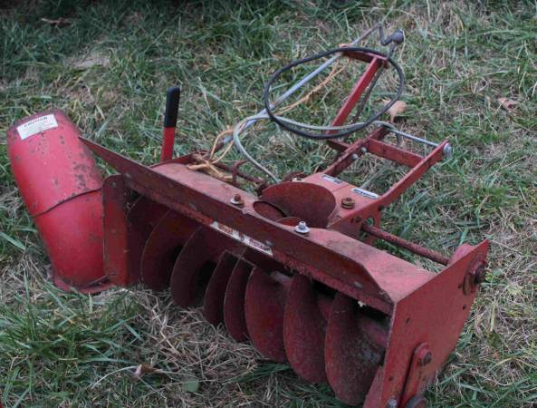 Photo Wheel Horse Snowblower, Snow Thrower, 32quot, 6-3211, STR-324,Lawn Ranger - $240 (Martinsburg)