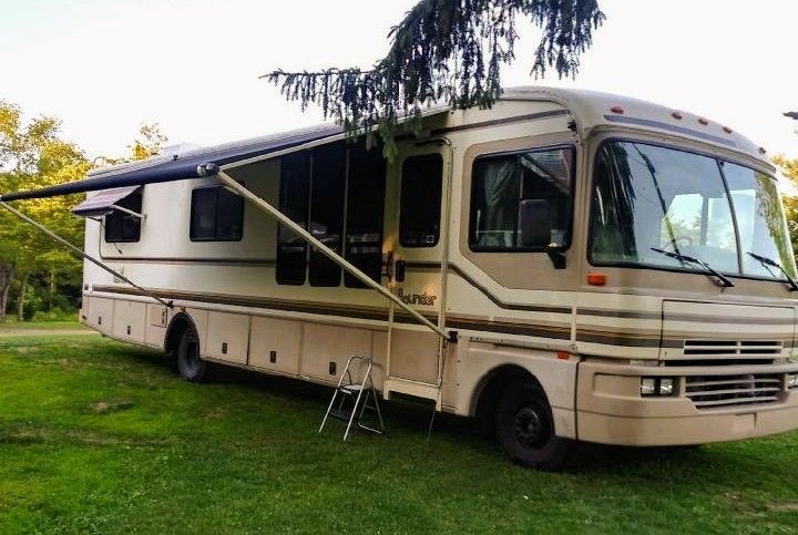 Photo 1996 Fleetwood BOUNDER 36S $ 14000     Get Financing as low as 169.40mo      Get Financing as low as 169.40mo