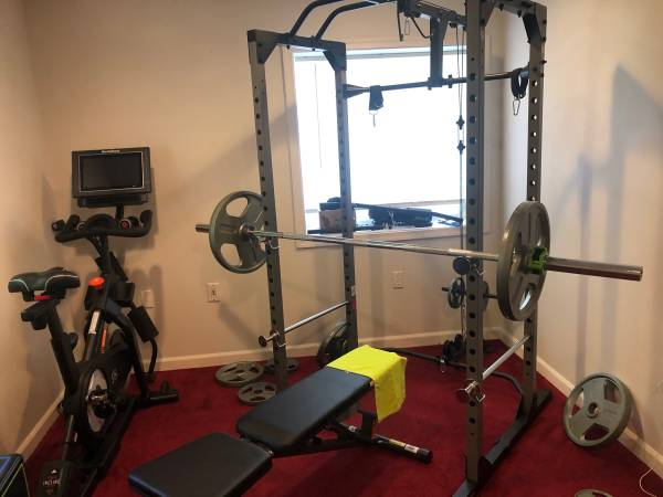 Photo f itness Reality 810XLT Super Max Power Cage with Optional Lat Pull-down Attachm - $750 (Hedgesville)