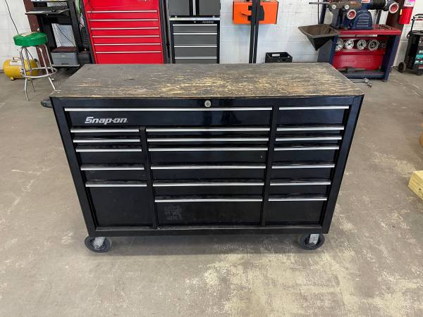 Photo snap on tool box - $2,750 (Charles Town)