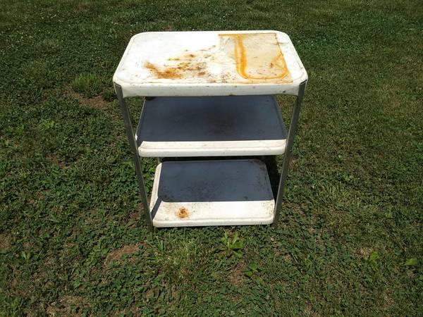 Photo vintage kitchen cart - $40 (Inwood, WV)