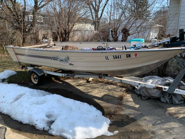 Photo 16 foot Sea Nymph, trailer, and 25 HP motor - $3,300 (Glenview, IL)