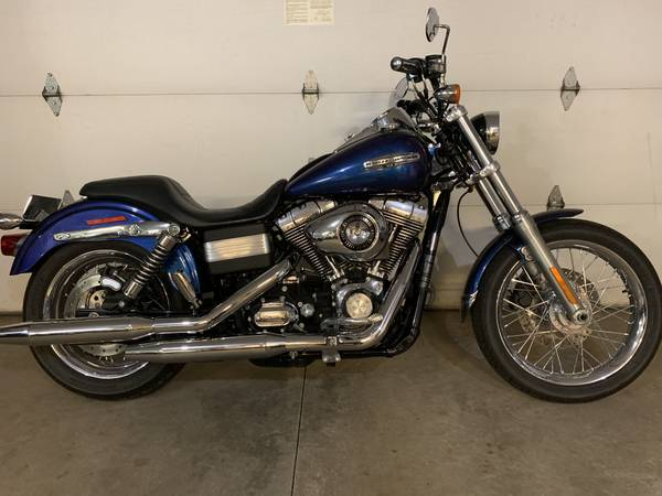 Photo 2010 Harley Davidson Dyna Superglide Custom - $5,500 (Onalaska)