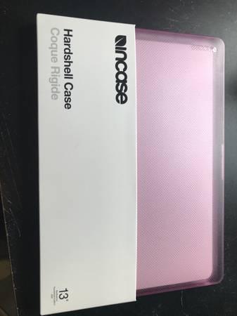 Photo Best Buy incase hard shell 13 case - $40 (La crosse)