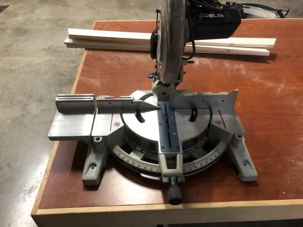 Photo Delta 12 miter saw - $100 (Garner)