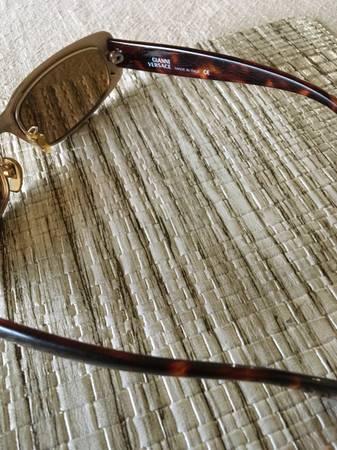 Photo Gianni Versace vintage sunglasses - $450 (Mason City)