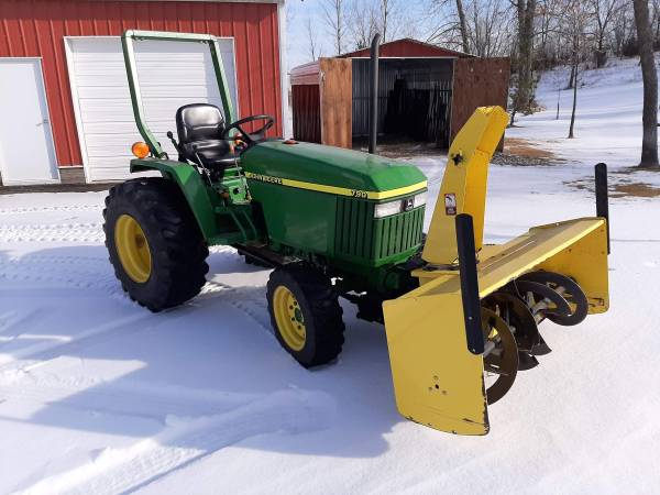 Photo John Deere 790 Tractor with Snowblower - $10,500 (Forest City)