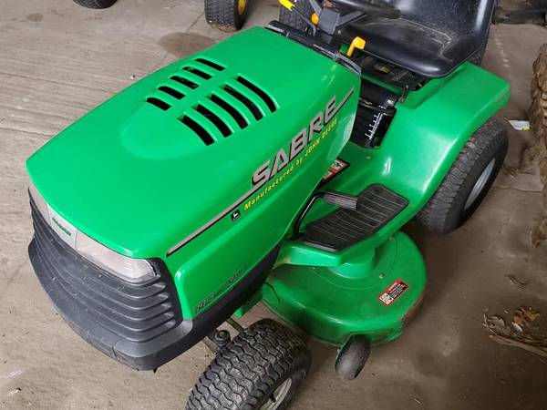 Photo John Deere Sabre riding lawn mower project with bagger - $400