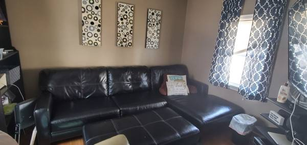 Photo Leather Sectional Couch with Ottoman - $600 (Austin)