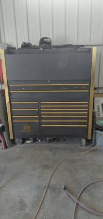Photo Matco tool box with hutch - $2,500 (Austin)