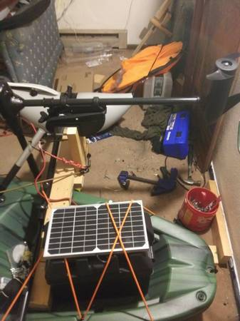 Photo Solar powered trolling motor Kayak Sentinel pelican used - $250 (Fairbank)