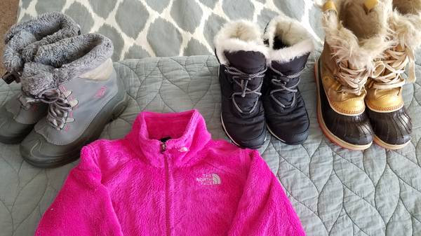 Photo Sorel sz. 5 boots and Columbia sz. 4 - $10 (LaCrosse  Coon Valley)