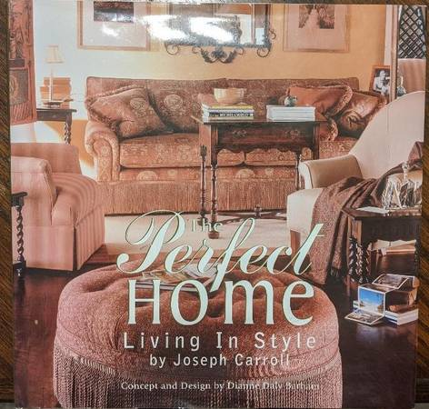 Photo The Perfect Home - Living in Style (coffee table book) - $5 (La Crosse)