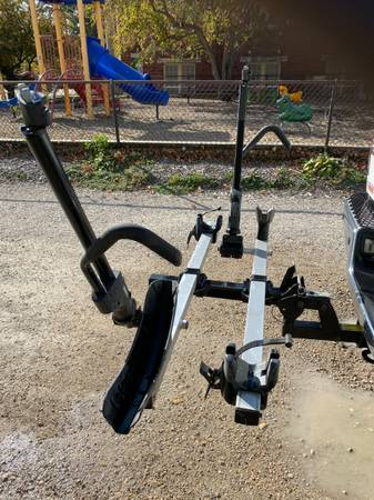Photo Thule T2 Platform Hitch Bike Rack - $300 (Cedar Falls)