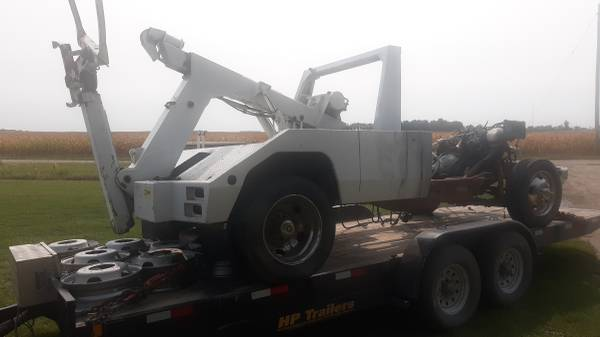 Photo Wheel Lift tow truck wrecker Chevy Chassis 3500HD - $2,800 (nw iowa)