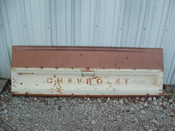 Photo 1978 Chevy Truck Tailgate - $150 (Newton Illinois)