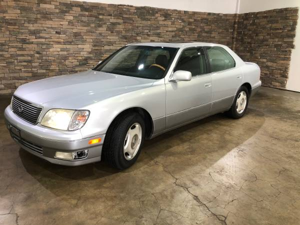 Photo 1999 Lexus LS400 - $4900 (Mattoon Illinois)