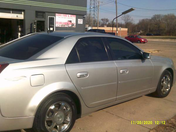 Photo 2005 CADILLAC CTS VERY LOW MILES 85000 - $3,200 (Springfield il)