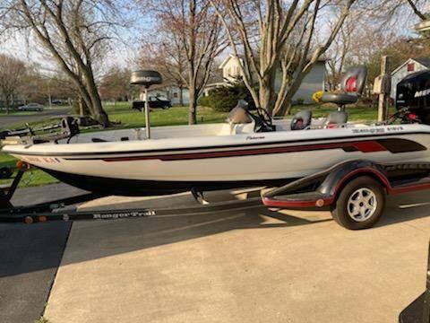 Photo 2006 fisherman Ranger boat with 150 optimaxmotor - $27,999 (Tolono)