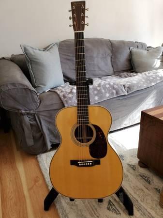 Photo 2019 Martin 000-28 Guitar - $2,500 (Urbana)