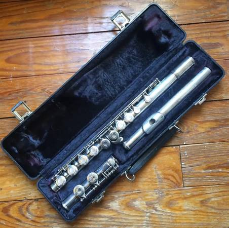 Photo Armstrong 104 Flute - $120 (Bloomington)