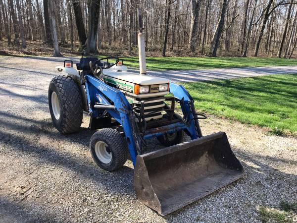 Photo Bolens G242 diesel tractor with loader - $4500 (Mattoon)