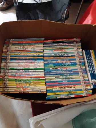 Photo Dr. Seuss and Beginners Books - $3 (Bedford)
