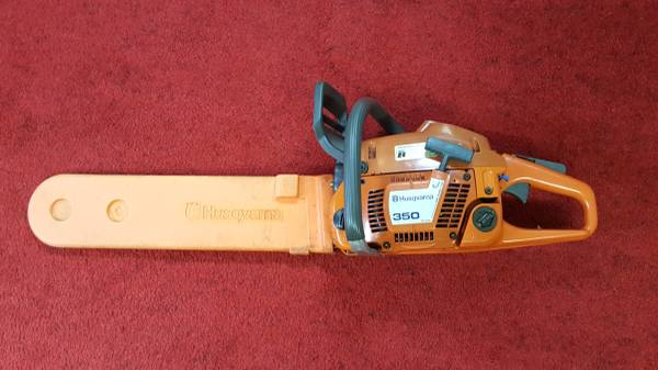 Photo Husqvarna 350 Chainsaw w18quot Bar  Case - $275 (Rantoul)